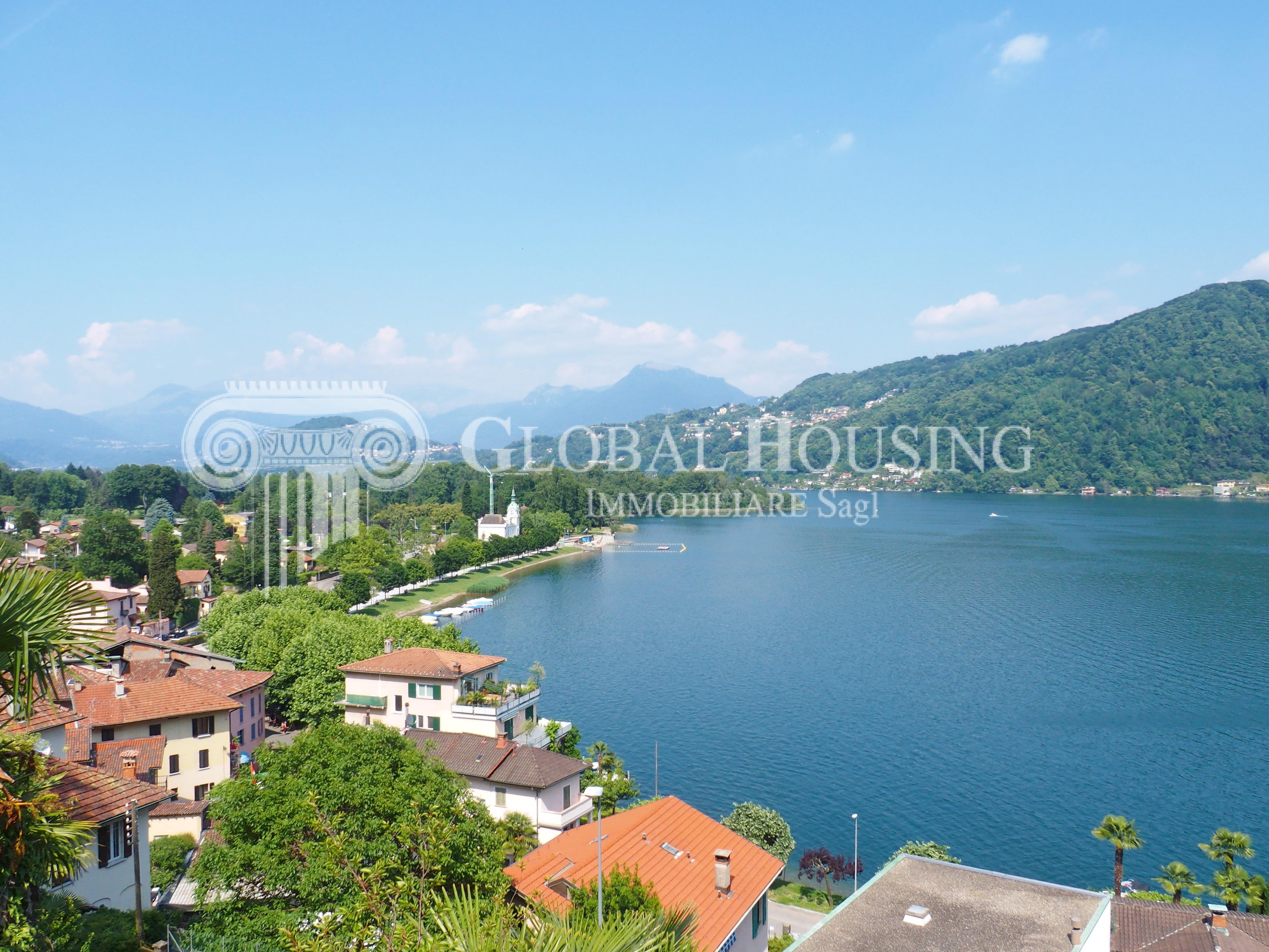 Caslano: Stupenda e moderna villa con piena vista lago