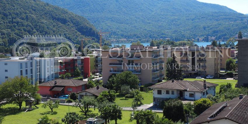 CASLANO: Nice apartment with lake view