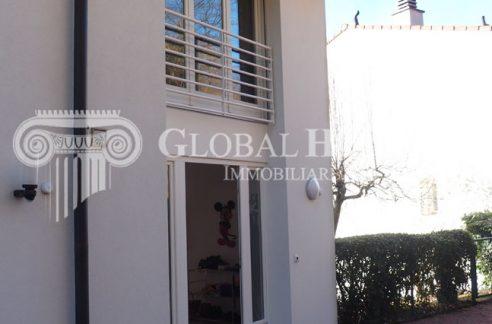 ASTANO Accogliente casa a schiera con vista aperta