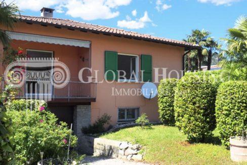 CASLANO: Nice house with garden