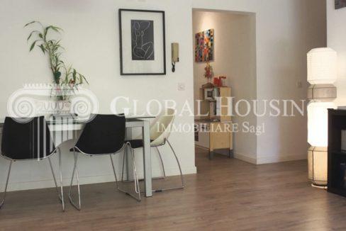 vendita CASLANO Comodo appartamento con giardino